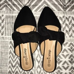 POINTED MULES W/ BOW